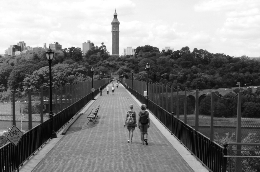 Strolling West on the High Bridge, towards Manhattan